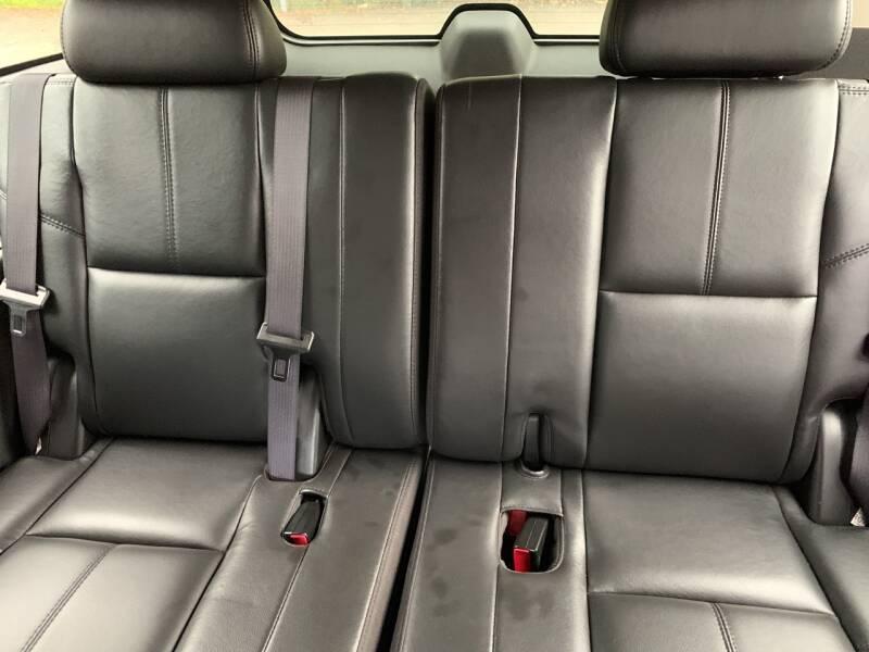 2007 Chevrolet Suburban LT 1500 4dr SUV 4WD - Newfoundland NJ