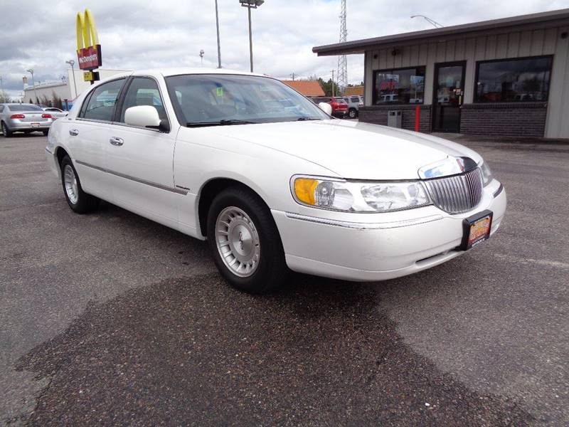 2002 Lincoln Town Car for sale at Mark McCall Auto Sales LLC in Scottsbluff NE