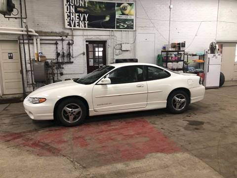 2002 Pontiac Grand Prix for sale at Car Corral in Tyler MN