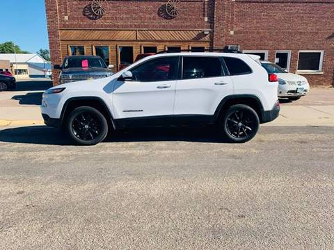 2014 Jeep Cherokee for sale at Car Corral in Tyler MN