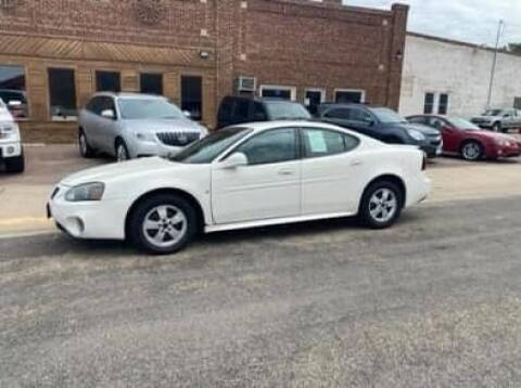 2006 Pontiac Grand Prix for sale at Car Corral in Tyler MN