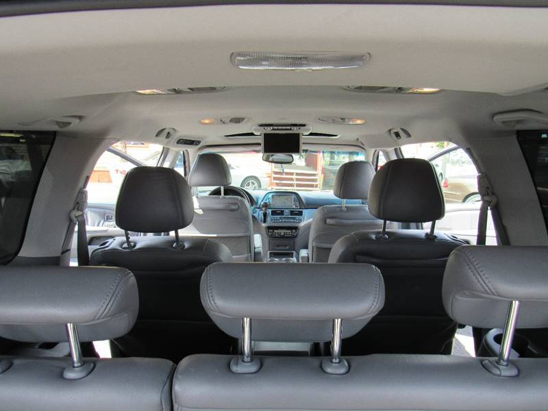 2005 Honda Odyssey Touring Mini-Van 4dr w/DVD and Navi - Portland OR