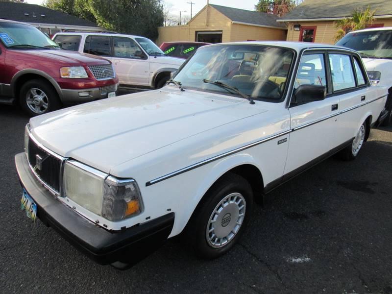 1986 Volvo 240 DL 4dr Sedan - Portland OR