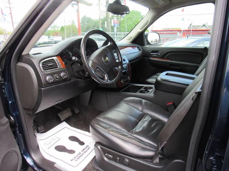 2007 Chevrolet Suburban LT 1500 4dr SUV 4WD - Portland OR