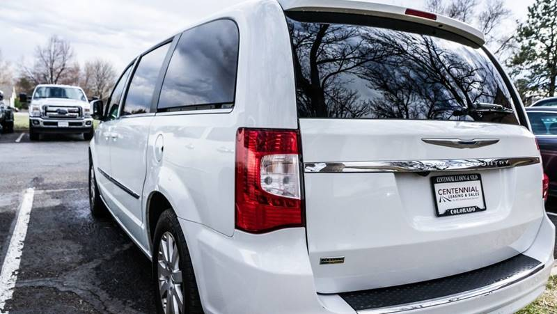 2015 Chrysler Town and Country Touring 4dr Mini-Van - Fort Collins CO
