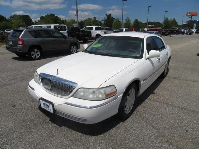 2006 Lincoln Town Car for sale at Derek Montalvo at Mullinax Ford in Mobile AL