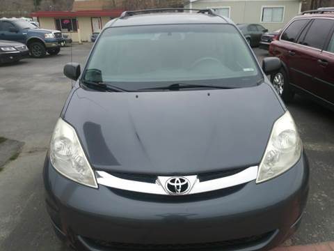 2006 Toyota Sienna for sale at Marvelous Motors in Garden City ID
