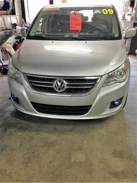 2009 Volkswagen Routan for sale in Taftville, CT