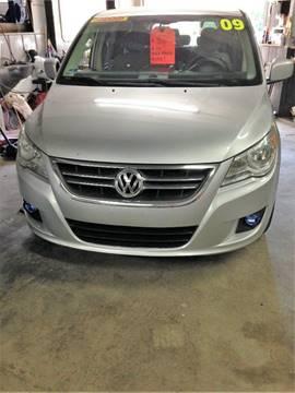 2009 Volkswagen Routan for sale in Taftville, CT