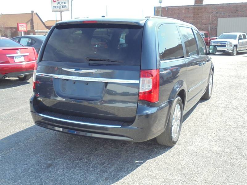 2013 Chrysler Town And Country Touring 4dr Mini-Van In Rushville IL