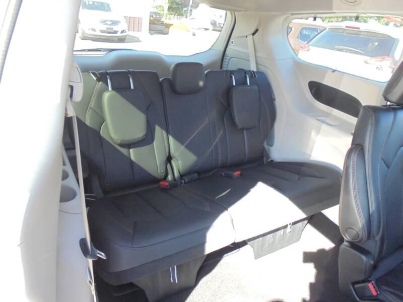 2018 Chrysler Pacifica Touring L Plus 4dr Mini-Van - Rushville IL