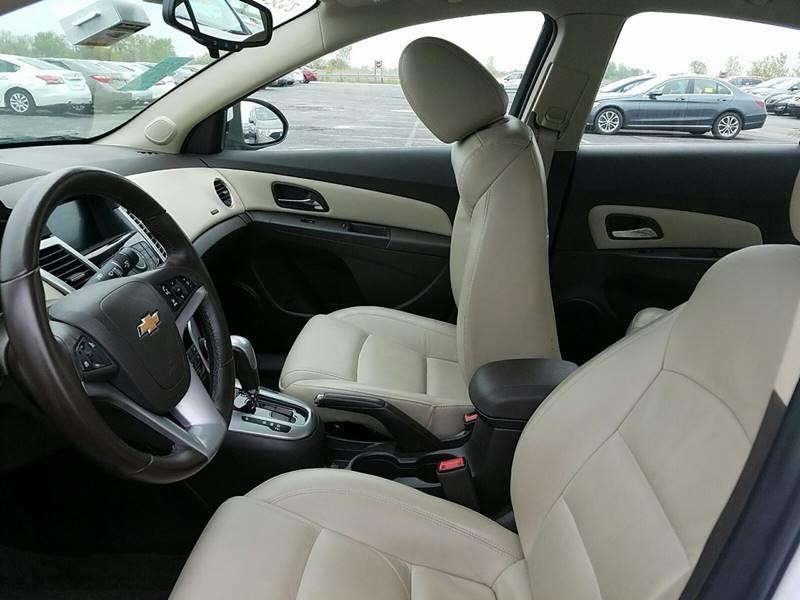 2015 Chevrolet Cruze 2LT Auto 4dr Sedan w/1SH - Hiawatha IA