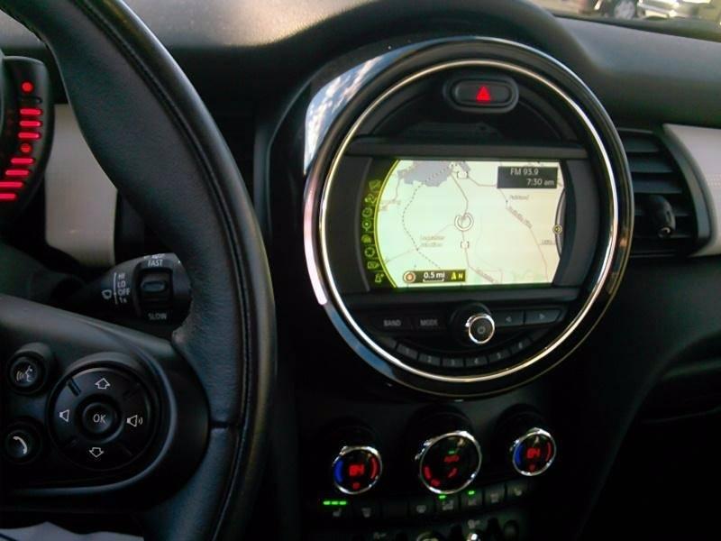 2015 MINI Hardtop Cooper 2dr Hatchback - Hiawatha IA