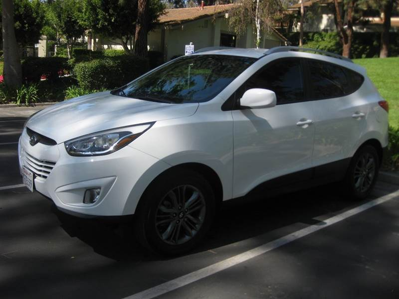 2014 Hyundai Tucson for sale at E MOTORCARS in Fullerton CA