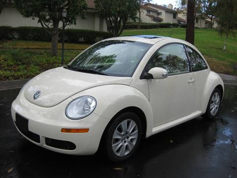 2009 Volkswagen New Beetle for sale at E MOTORCARS in Fullerton CA