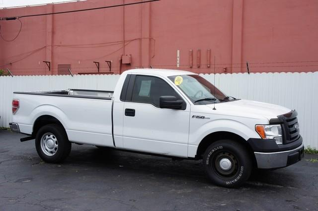 2011 FORD F-150 XL 4X2 2DR REGULAR CAB STYLESIDE white super clean ford  f-150  click  get appr