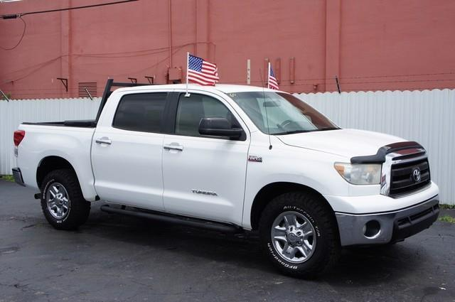 2010 TOYOTA TUNDRA GRADE 4X2 4DR CREWMAX CAB PICKUP white carfax clean title multi point inspecti