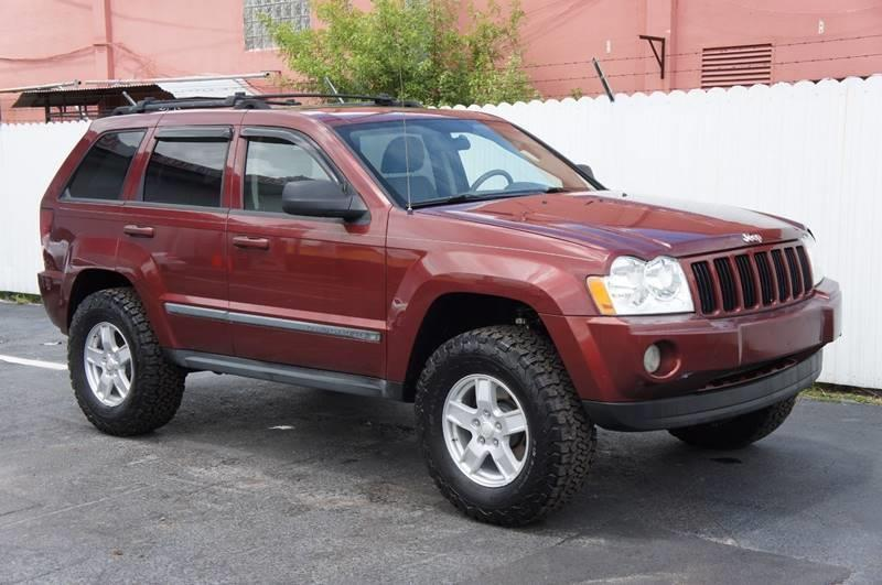 2007 JEEP GRAND CHEROKEE LAREDO 4DR SUV burgundy cargo tie downs front air conditioning front a