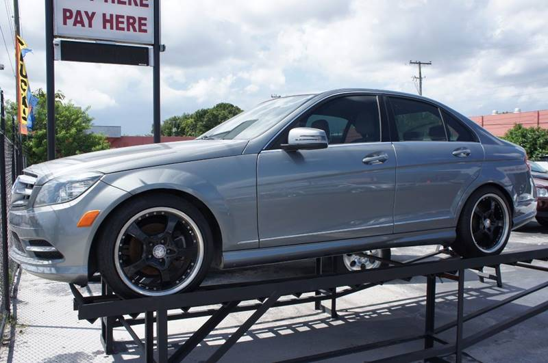 2011 MERCEDES-BENZ C-CLASS C300 LUXURY 4DR SEDAN gray like new excelent condition one owner cl