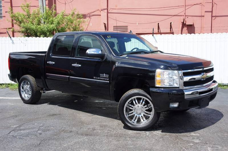 2011 GMC SIERRA 1500 SLE 4X2 4DR CREW CAB 58 FT SB black clean carfax great easy financin