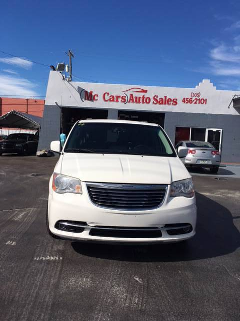 2013 CHRYSLER TOWN AND COUNTRY LIMITED 4DR MINI VAN white abs - 4-wheel active head restraints -