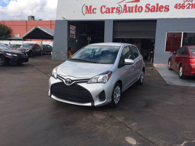 2015 TOYOTA YARIS 5-DOOR LE 4DR HATCHBACK white clean carfax low miles non-smoker