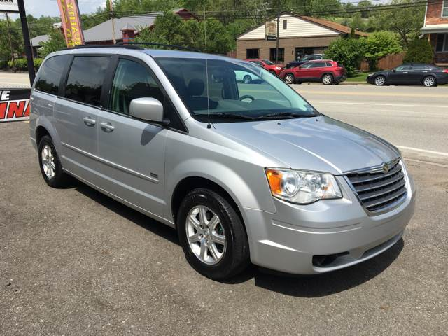 2008 Chrysler Town and Country Touring 4dr Mini-Van - Pittsburgh PA