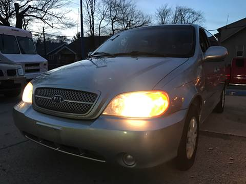 2005 Kia Sedona for sale in Royal Oak, MI