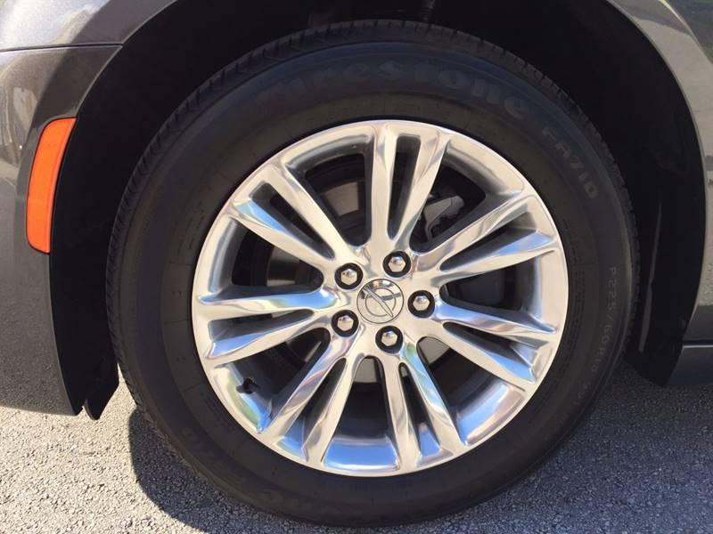 2016 Chrysler 300 C 4dr Sedan - Hialeah FL
