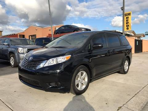 2015 toyota sienna for sale. Black Bedroom Furniture Sets. Home Design Ideas