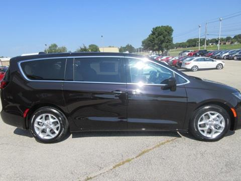 2017 Chrysler Pacifica for sale in Waverly, IA