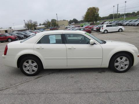 2005 Chrysler 300 for sale in Waverly IA