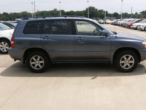 2004 Toyota Highlander for sale in Waverly, IA