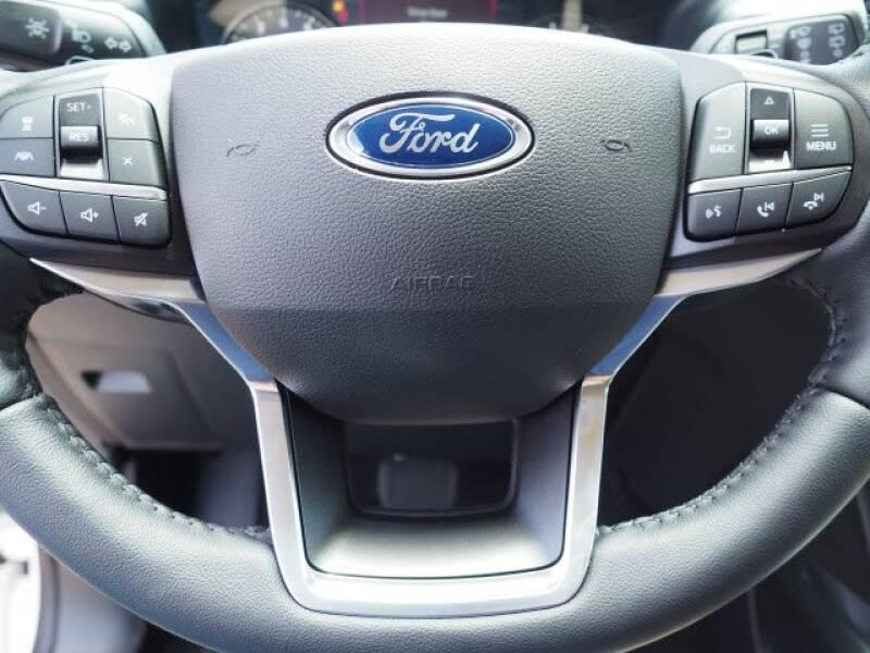 2020 Ford Explorer Limited (image 15)