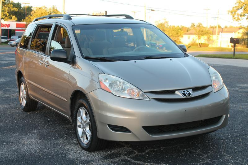 2006 TOYOTA SIENNA LE 7 PASSENGER AWD 4DR MINI VAN gold air conditioning power windows power lo