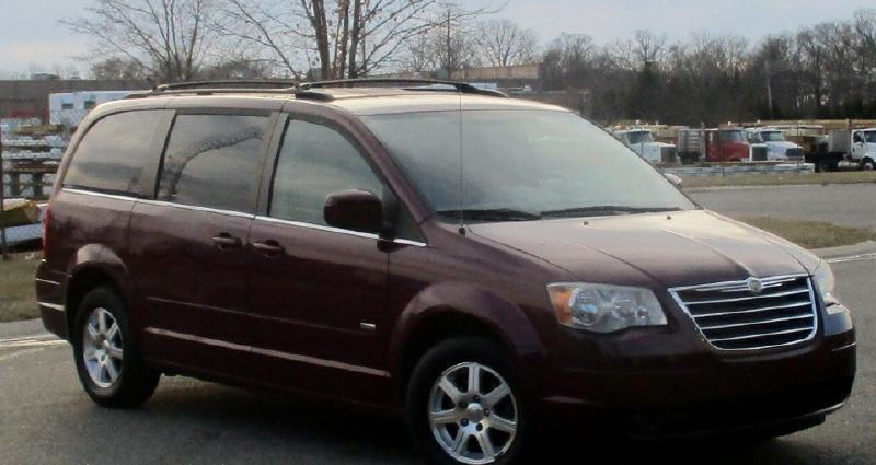 2008 CHRYSLER TOWN AND COUNTRY TOURING 4DR MINI VAN red complimentary 3 months3000 miles eng