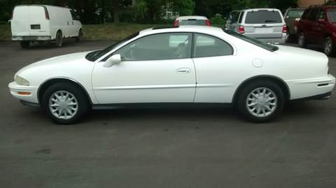 1995 Buick Riviera for sale in Westland, MI