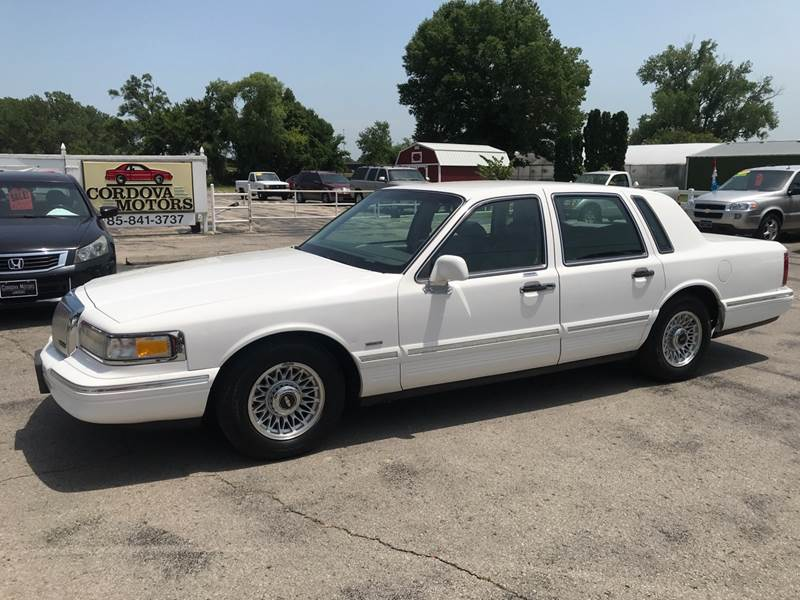 1995 Lincoln Town Car Executive 4dr Sedan In Lawrence Ks Cordova