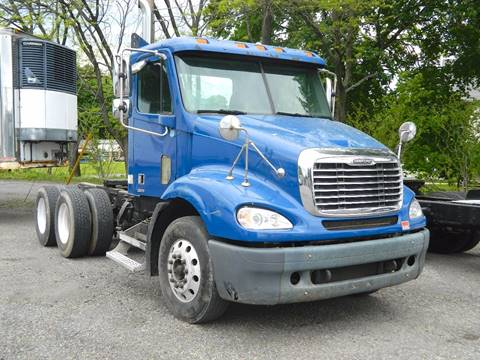 2006 Freightliner Columbia for sale in Slatington, PA