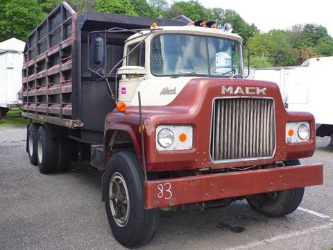 1975 Mack U685ST for sale in Slatington, PA