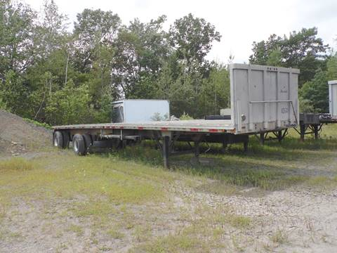 1986 EAST aluminum flat bed for sale at Recovery Team USA in Slatington PA