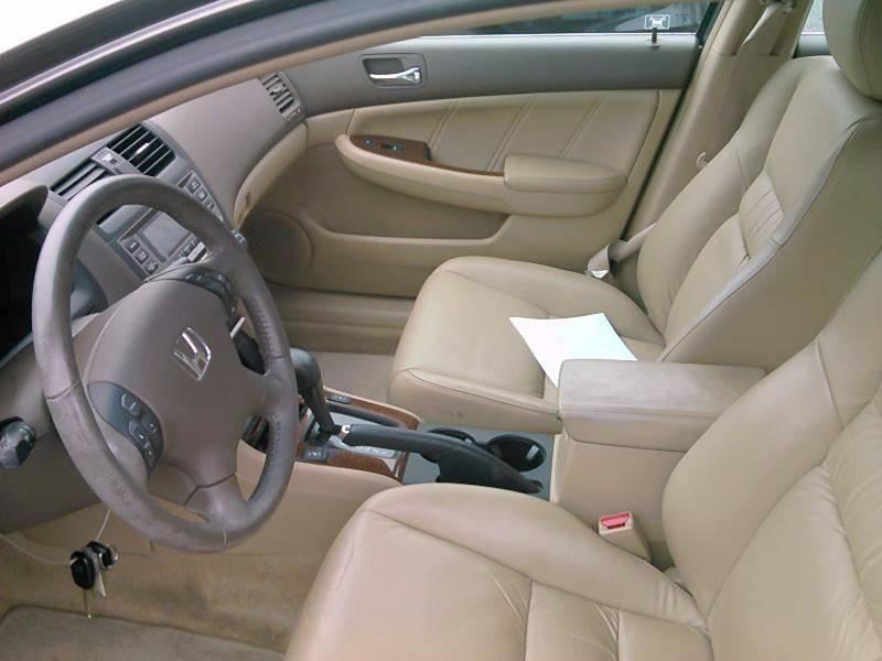 2006 Honda Accord for sale at Progress Auto Sales in Durham NC