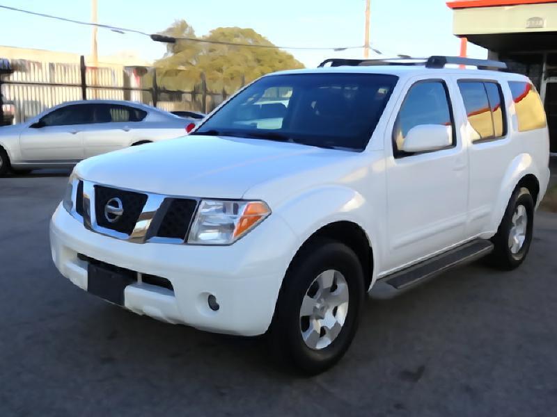2005 Nissan Pathfinder for sale at 123 Car 2 Go LLC in Dallas TX
