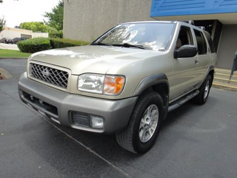 2000 Nissan Pathfinder for sale at F.M Auto Sale LLC in Dallas TX