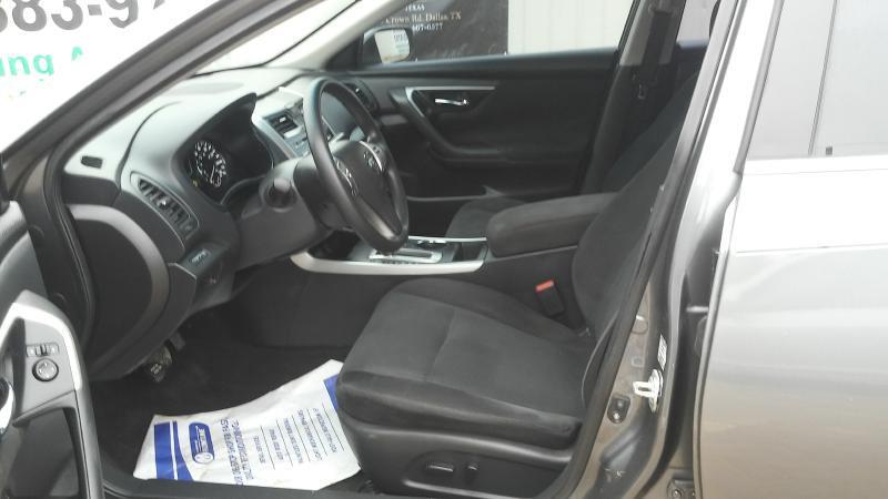 2015 Nissan Altima 2.5 4dr Sedan - Dallas TX