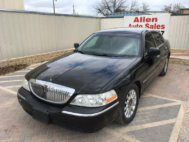 2006 Lincoln Town Car Signature 4dr Sedan - Dallas TX