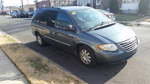 2006 Chrysler Town and Country for sale in Linden, NJ