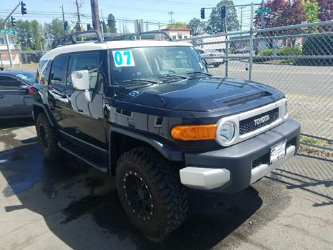 2007 Toyota FJ Cruiser for sale at MyEstablishedCredit.com in Salem OR