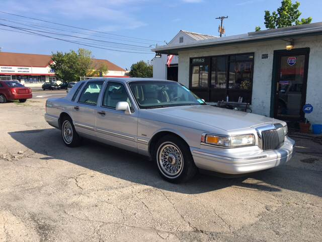 1996 Lincoln Town Car Executive 4dr Sedan In Wilmington Nc