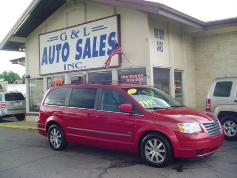 2009 Chrysler Town and Country for sale in Roseville, MI
